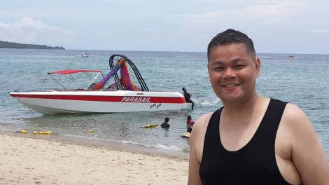 Enjoying the beach at Laiya, Batangas near Tagaytay (2)
